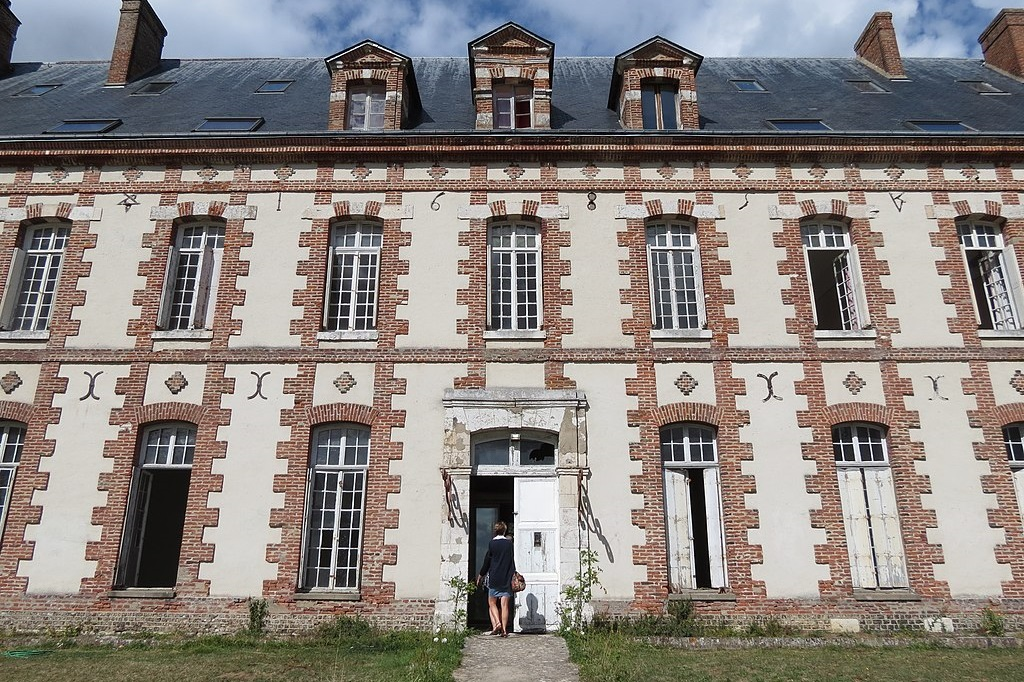 Des Deus Amants Castle for Sale Normandy France