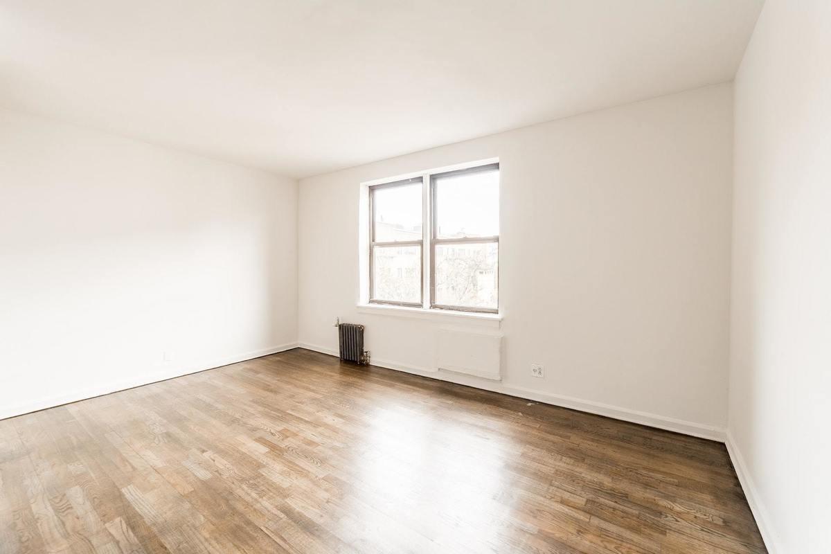 6th Avenue – Soho – 1 BEDROOM APARTMENT – Unit ID #4E
